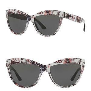 Super stylish Burberry sunglasses